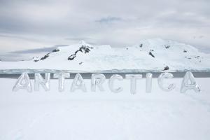 antarctica-balloons